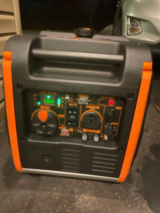 3800 Watt Invertor Generator